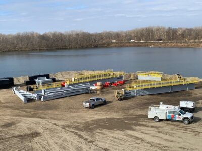Supreme delivers new deep/digging clamshell dredge to Ohio USA plant
